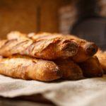 シトロエン2cv、フランスパン、イワシ、生ハム、オリーブオイル シンプルでゴージャスで官能的な味とは!?