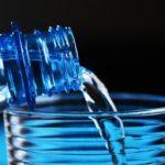 年を取ると水を買って持ち帰るのは大変! 通販は本当に助かります。水を買う 桜島活泉水
