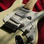 Supreme x Fender  シュプリームとフェンダーのコラボ  今通販で買いたいプレミアムギター